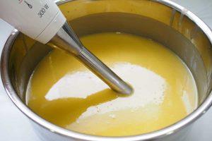 blender pour mélanger le savon