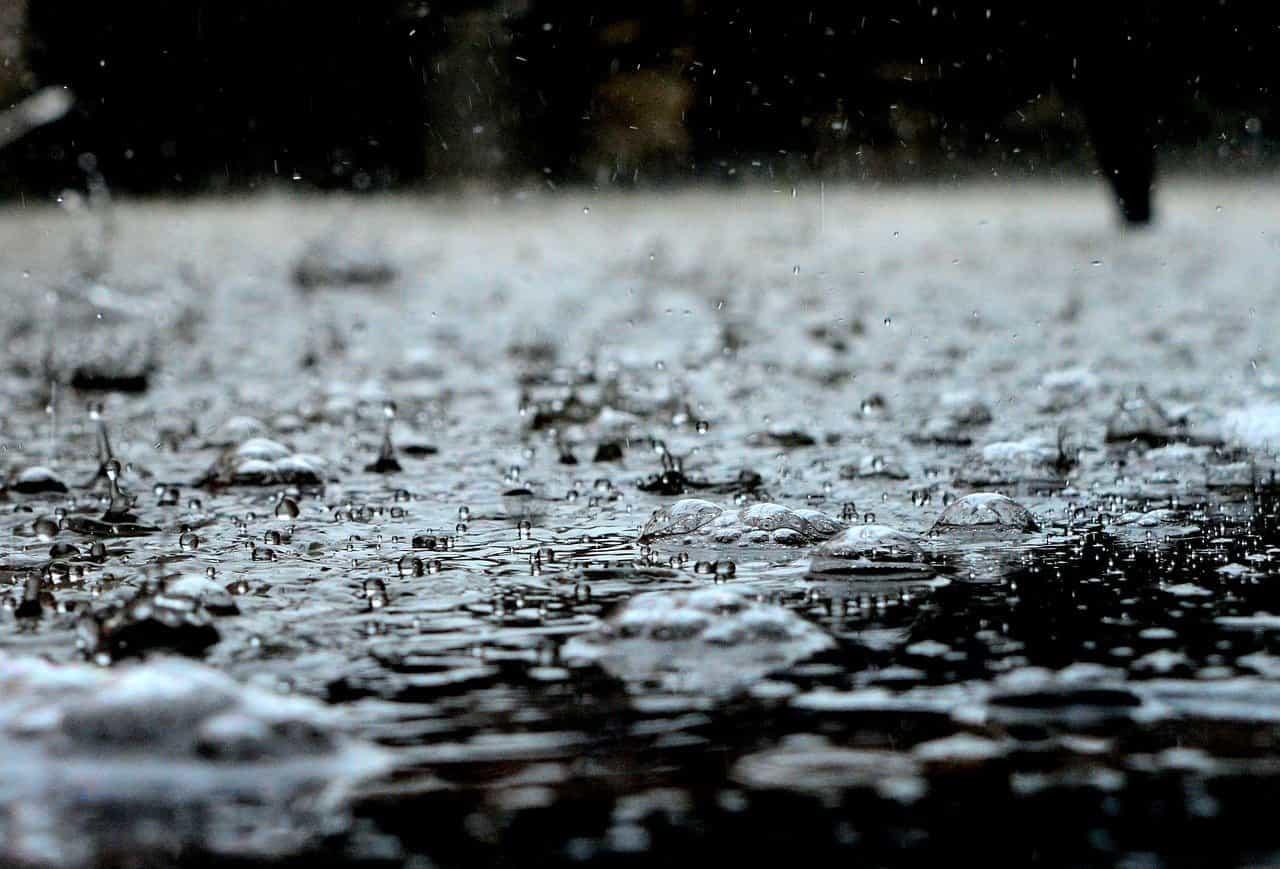 Pourquoi ne faut-il pas boire l'eau de pluie?