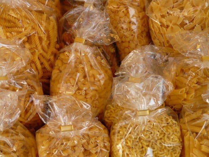 Passer à l'emballage alimentaire écologique pour réduire son impact environnemental.